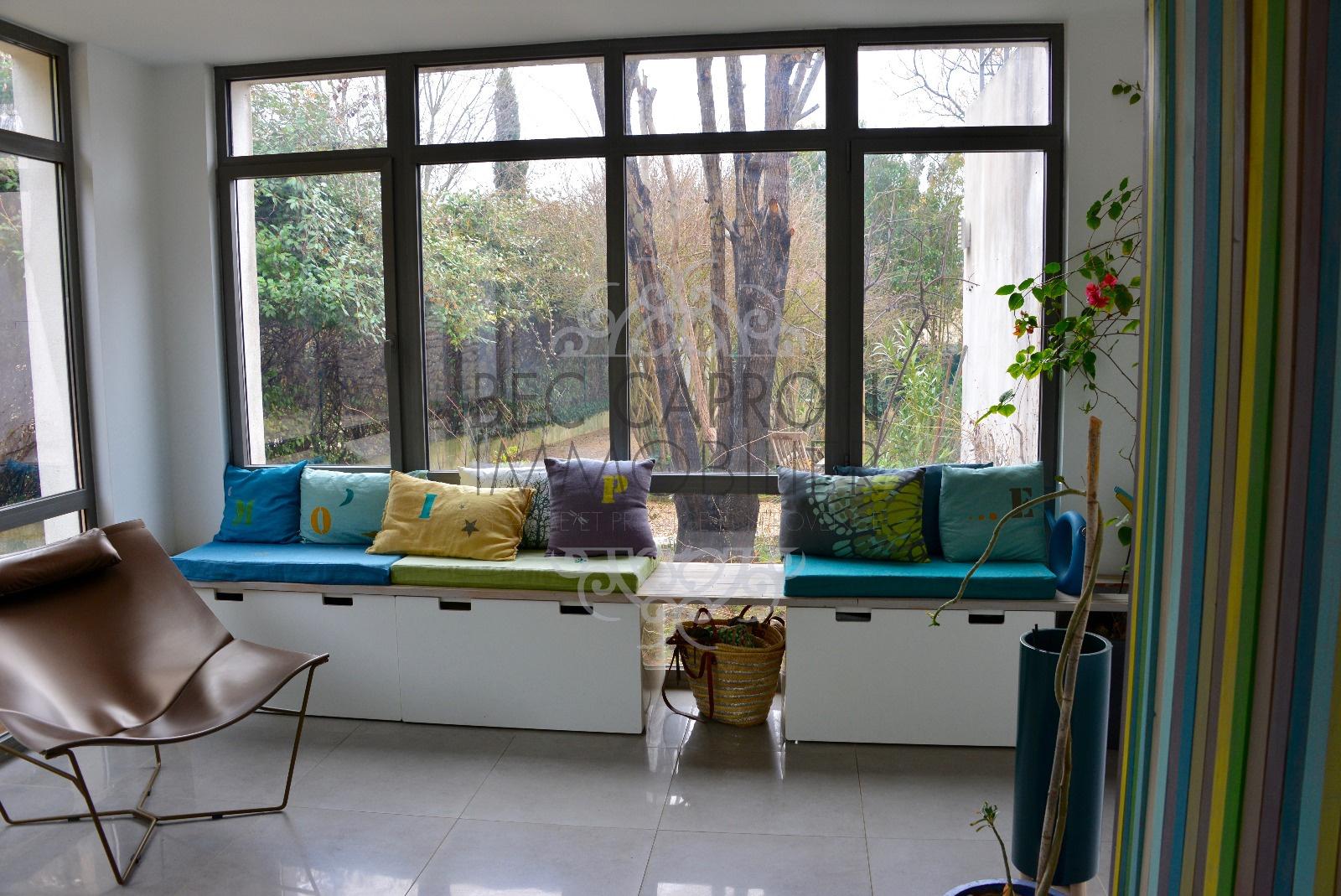 veranda vue sur jardin arboré