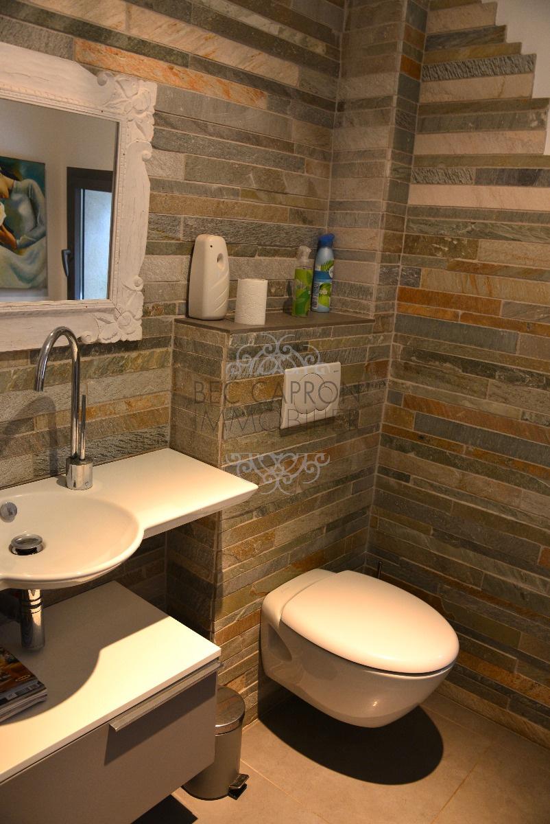 toilette et lavabo de la chambre 4