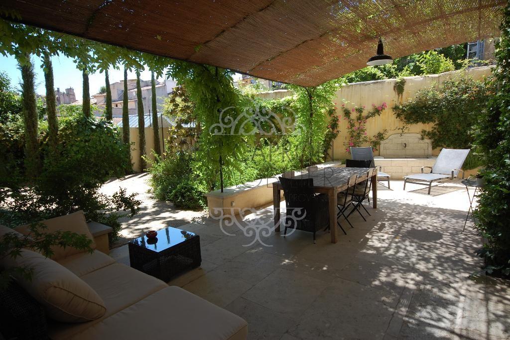 terrasse couverte avec treille